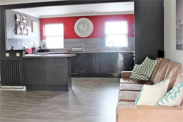 Open Plan Lounge/Diner/Kitchen