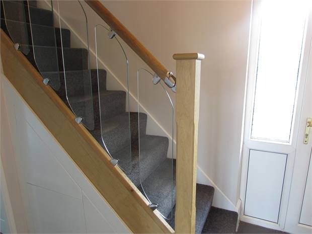 Oak and glass bannister